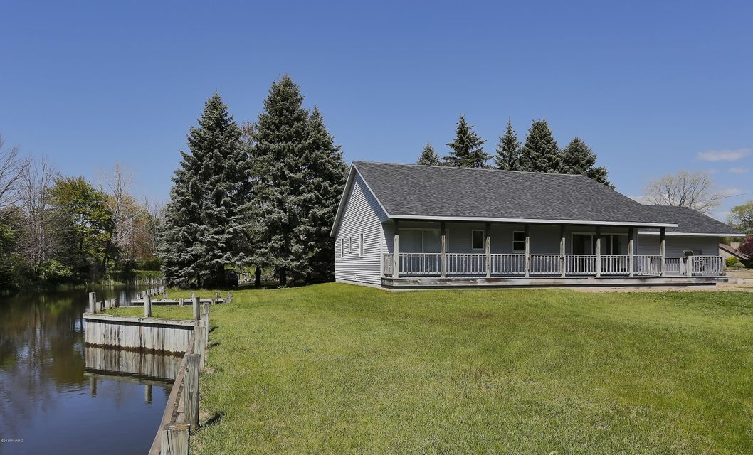 Single Family Home for Sale at 17139 Spahr Spring Lake, Michigan 49456 United States