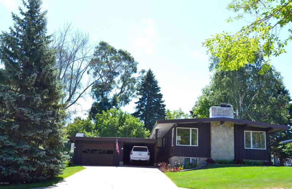 Single Family Home for Sale at 595 Harvard Manistee, Michigan 49660 United States