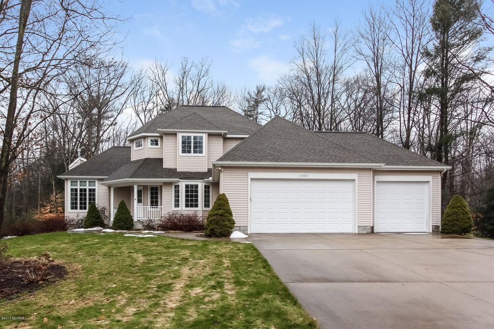 Single Family Home for Sale at 1073 Glenview Muskegon, Michigan 49445 United States
