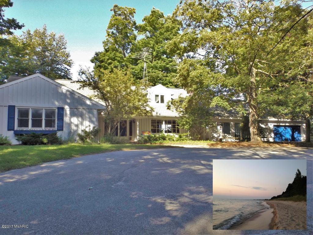 Single Family Home for Sale at 1551 LAKESHORE Ludington, Michigan 49431 United States