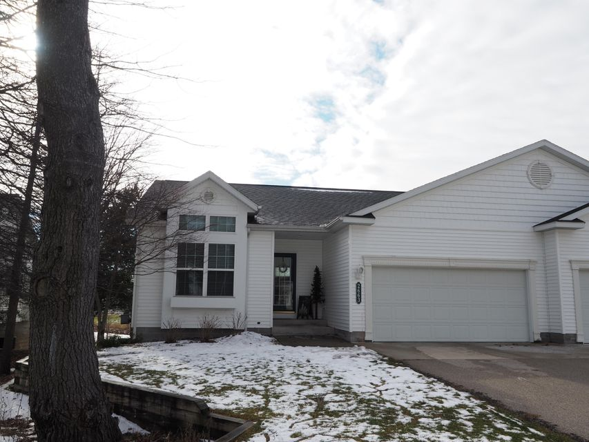 Single Family Home for Sale at 2663 Shadow Pine Fruitport, Michigan 49415 United States