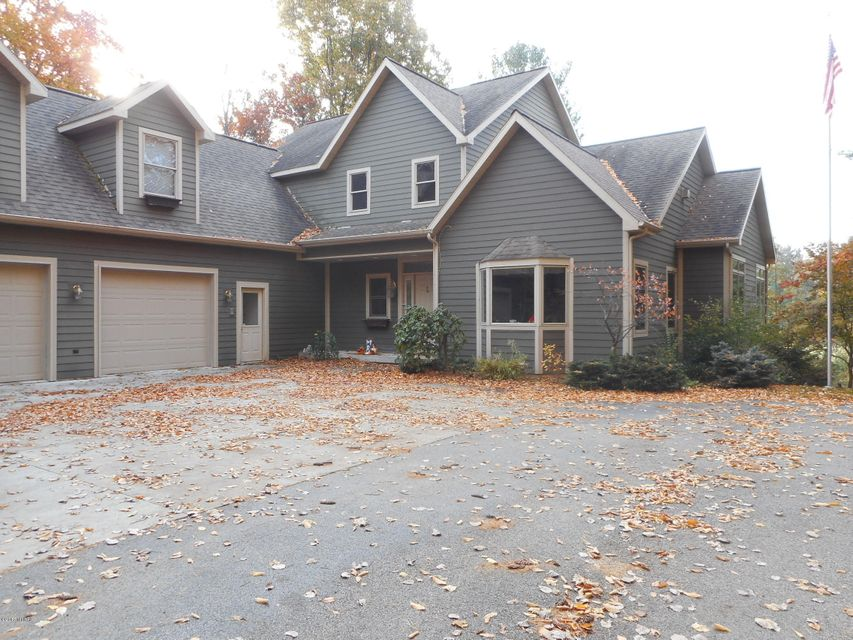 Single Family Home for Sale at 6522 Farr 6522 Farr Onekama, Michigan 49675 United States