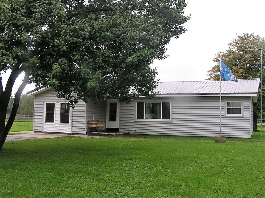 Single Family Home for Sale at 315 Trent Ravenna, Michigan 49451 United States
