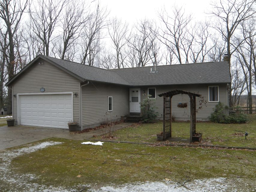 Single Family Home for Sale at 314 Quarterline Muskegon, Michigan 49442 United States