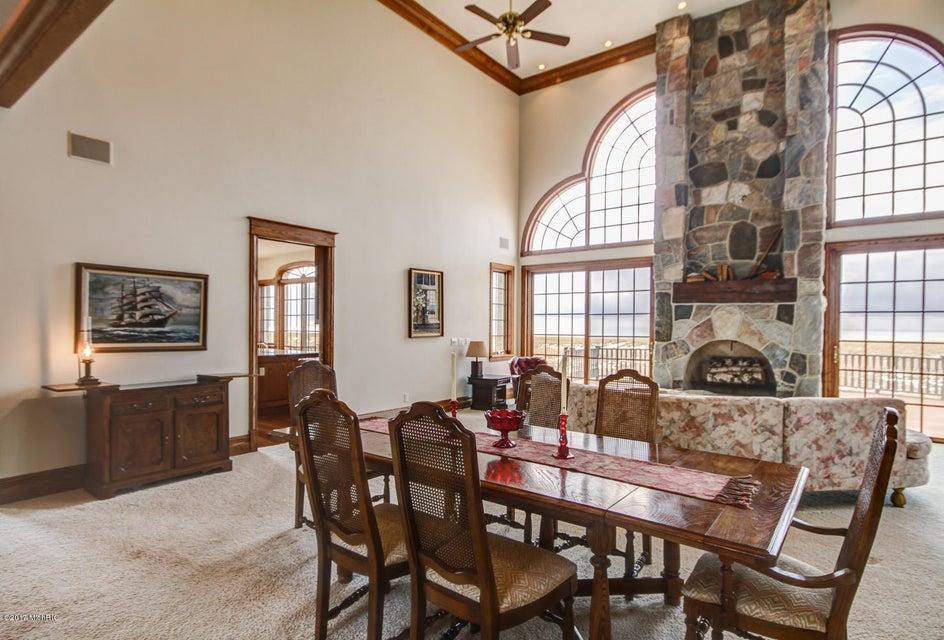 Additional photo for property listing at 475 LAKESHORE 475 LAKESHORE Ludington, Michigan 49431 United States