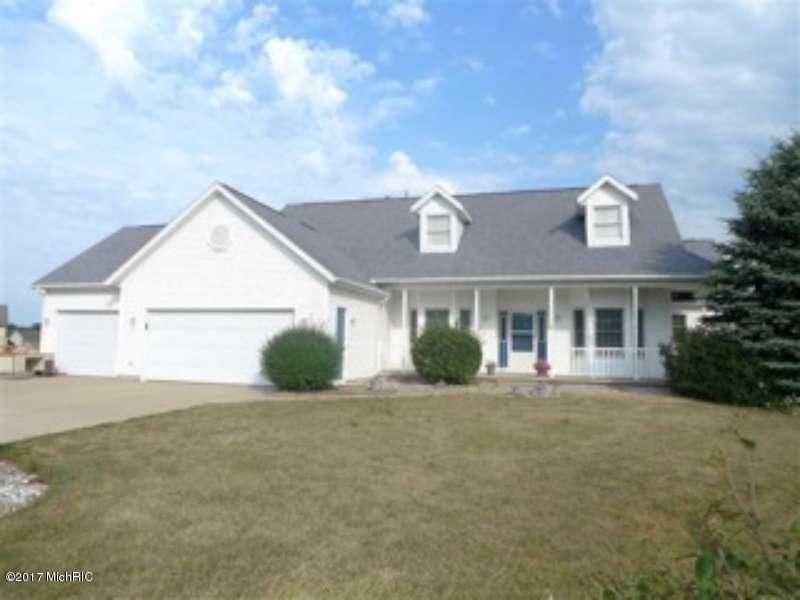 Single Family Home for Sale at 907 Eagle Ridge Coopersville, Michigan 49404 United States