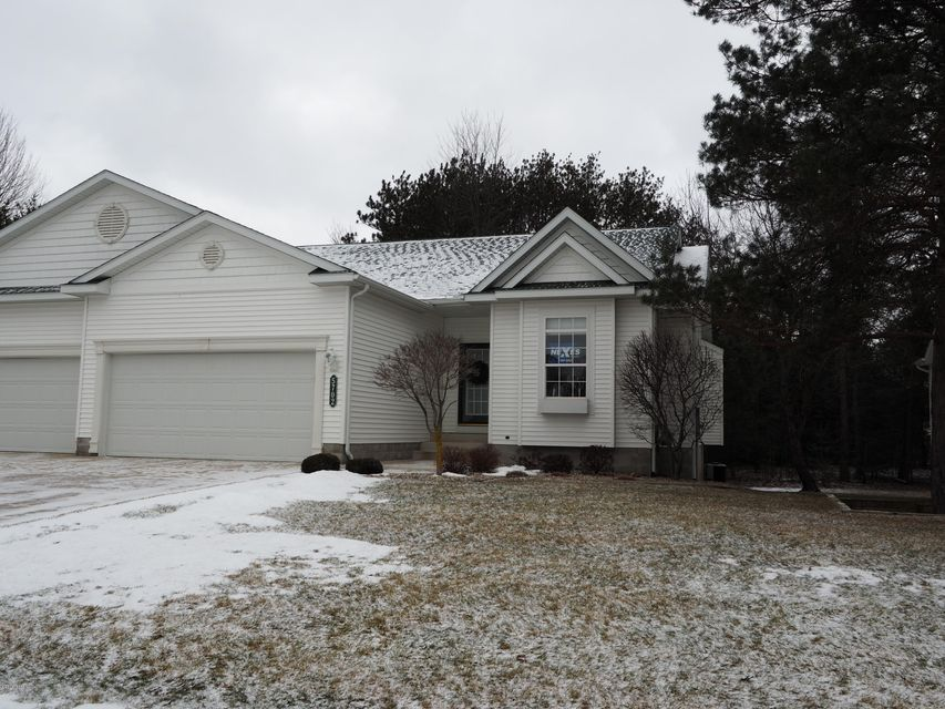Single Family Home for Sale at 5702 Copper Sands Fruitport, Michigan 49415 United States
