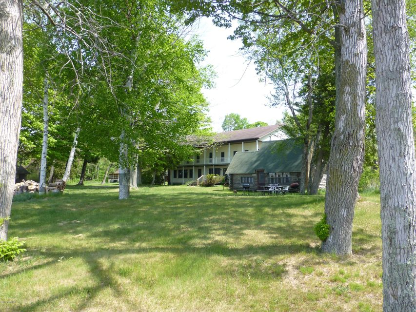 Single Family Home for Sale at 6567 S Shields Pentwater, Michigan 49449 United States