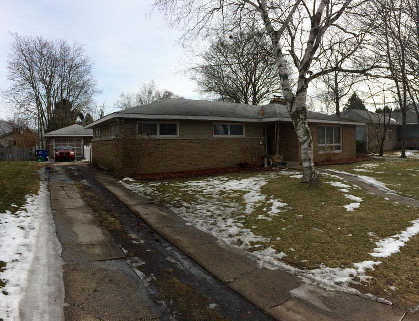 Single Family Home for Sale at 316 Emily Ludington, Michigan 49431 United States