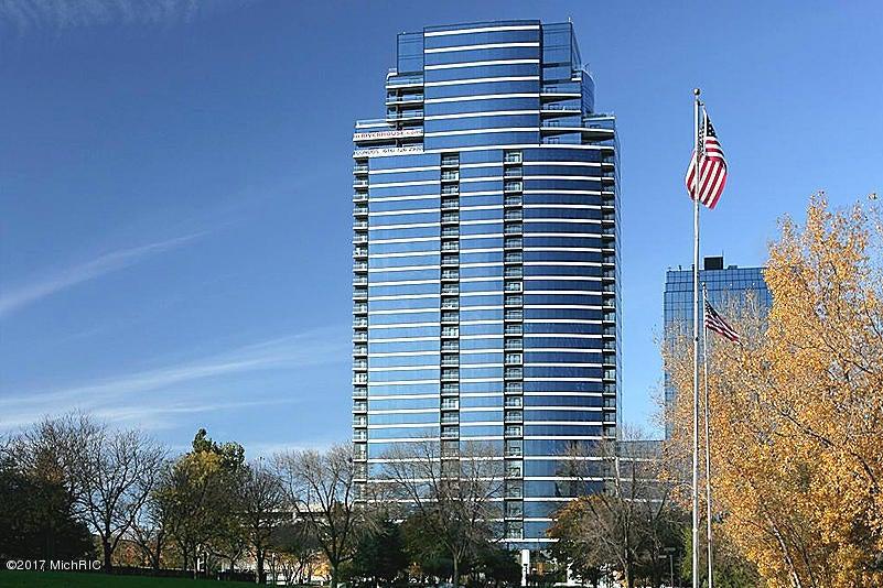 Single Family Home for Sale at 335 Bridge Grand Rapids, Michigan 49504 United States