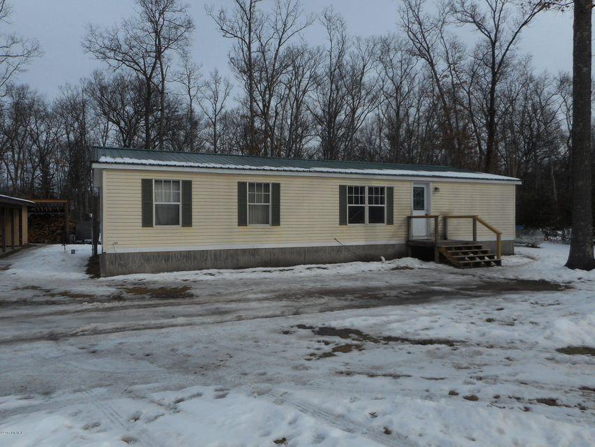 Single Family Home for Sale at 647 Hart Wellston, Michigan 49689 United States