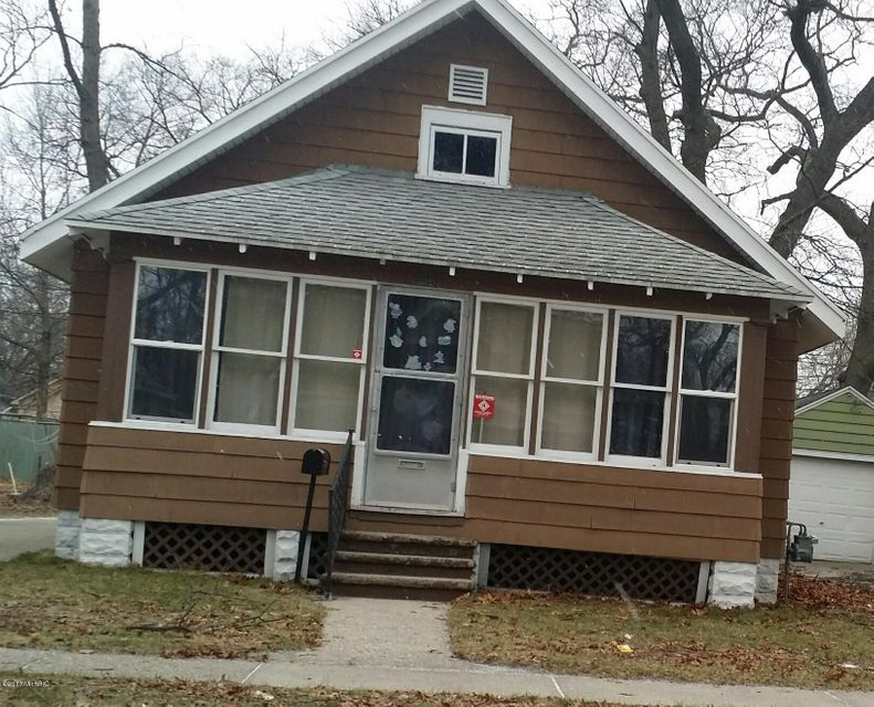 Single Family Home for Sale at 884 Emerson Muskegon, Michigan 49442 United States