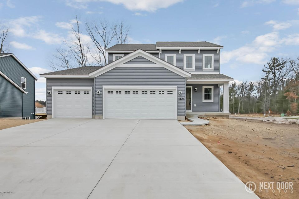 Single Family Home for Sale at 17163 Birchview Nunica, Michigan 49448 United States