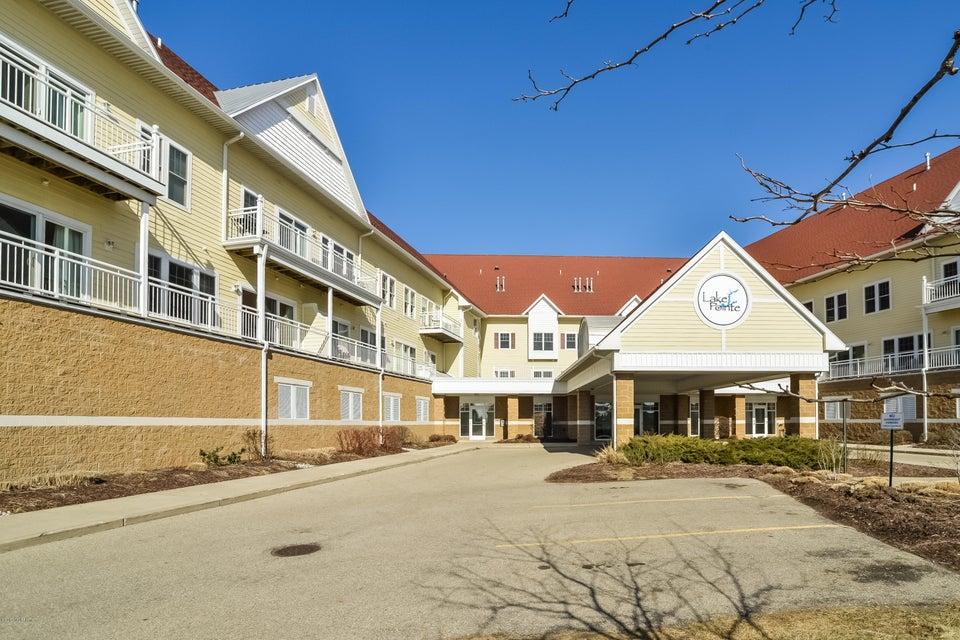 独户住宅 为 销售 在 917 Savidge 917 Savidge 斯普林莱克, 密歇根州 49456 美国