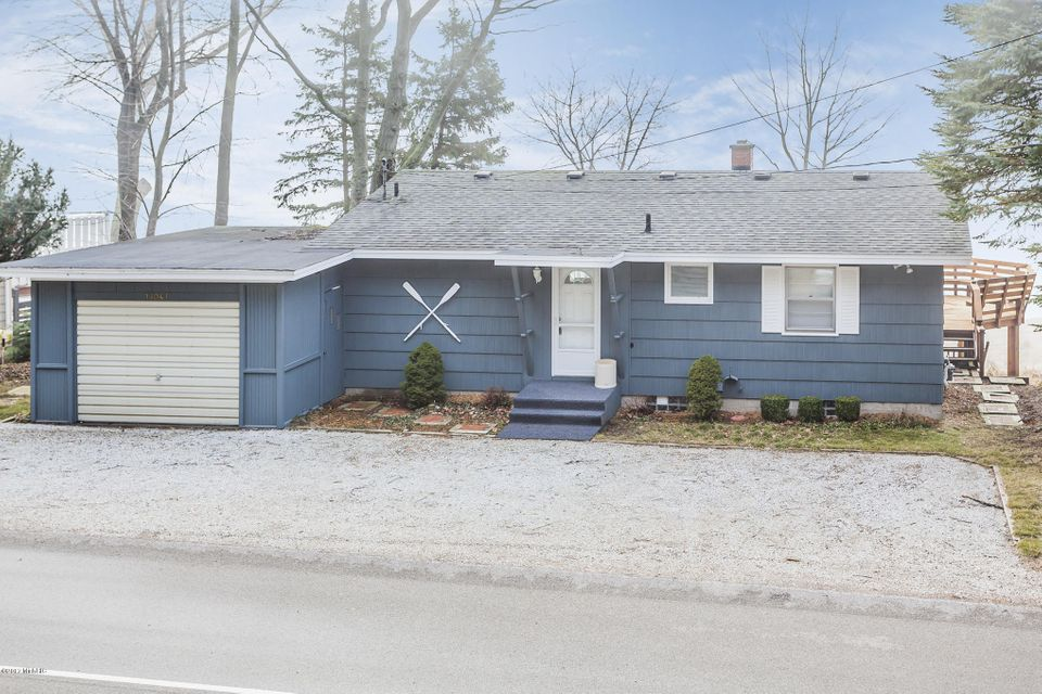 Single Family Home for Sale at 18047 SHORE ESTATES Spring Lake, Michigan 49456 United States