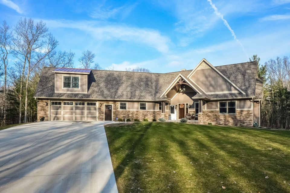 Single Family Home for Sale at 18000 144th Spring Lake, Michigan 49456 United States