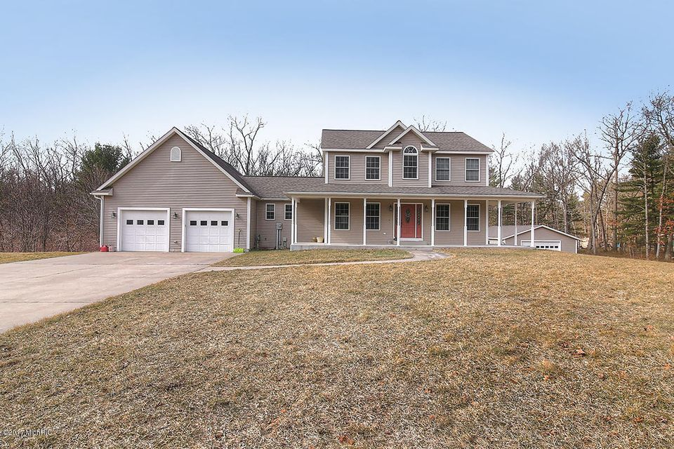 Single Family Home for Sale at 14064 Taft Spring Lake, Michigan 49456 United States