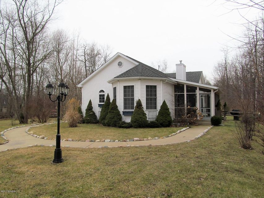 Single Family Home for Sale at 1114 Golf Mere South Haven, Michigan 49090 United States