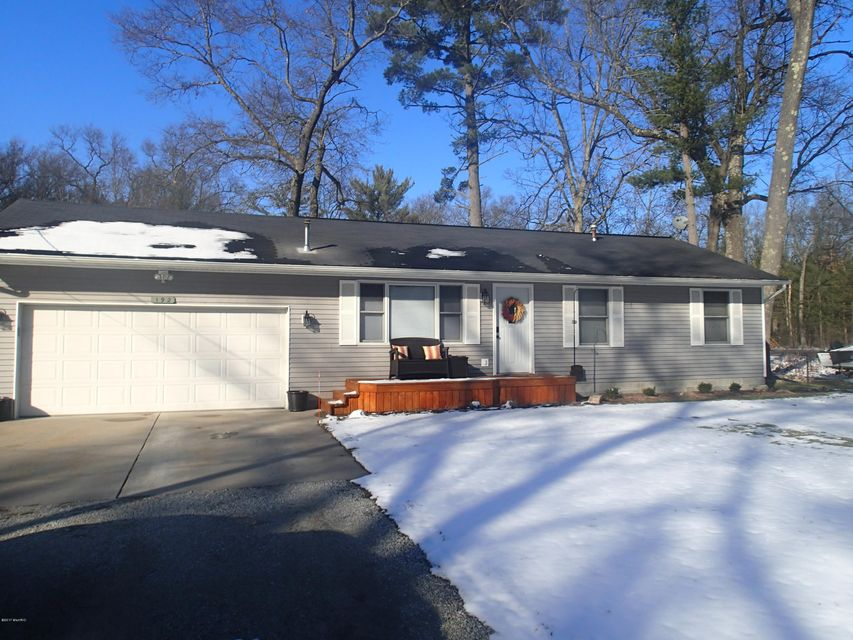 Single Family Home for Sale at 192 Daniels Twin Lake, Michigan 49457 United States