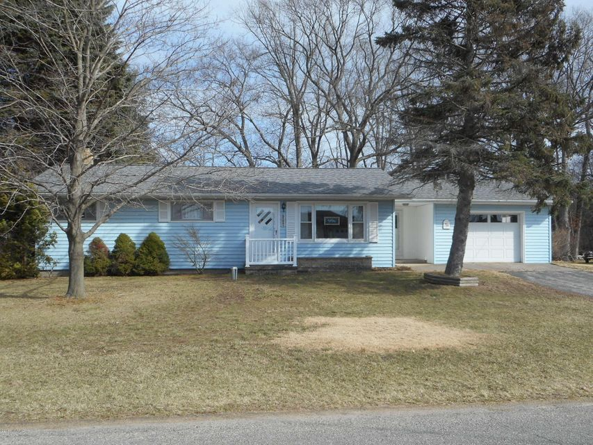 Single Family Home for Sale at 1401 Perry Manistee, Michigan 49660 United States