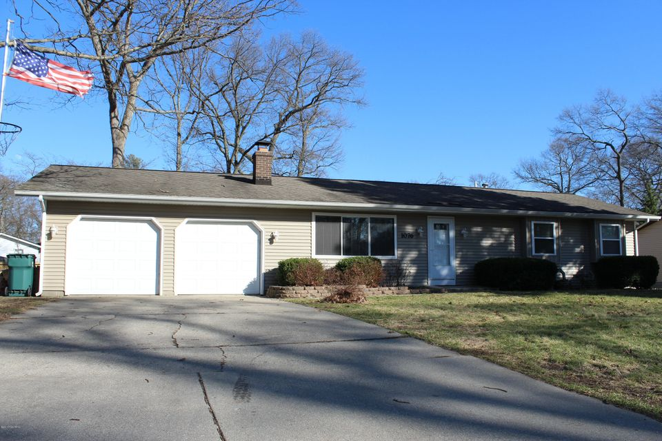 Single Family Home for Sale at 1076 Ivanhoe Muskegon, Michigan 49445 United States