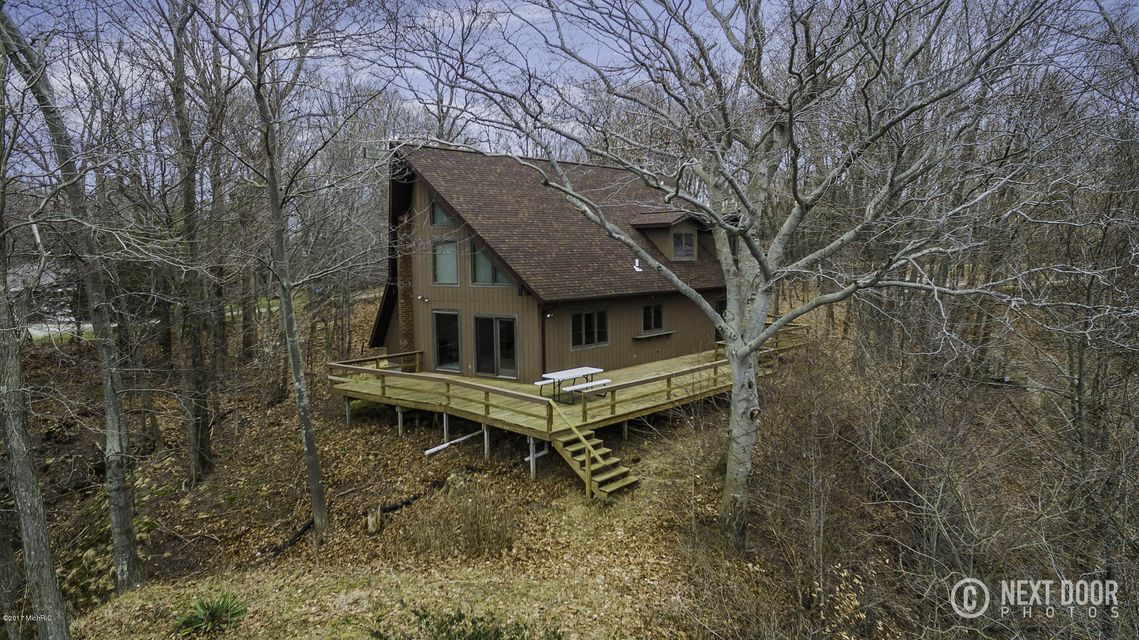 Single Family Home for Sale at 8513 Chuckanut Montague, Michigan 49437 United States