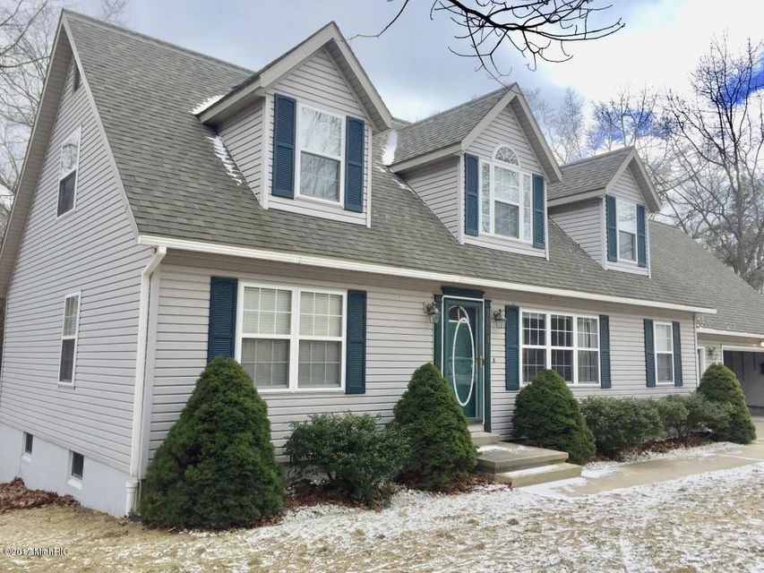 Single Family Home for Sale at 1801 Blossom Manistee, Michigan 49660 United States