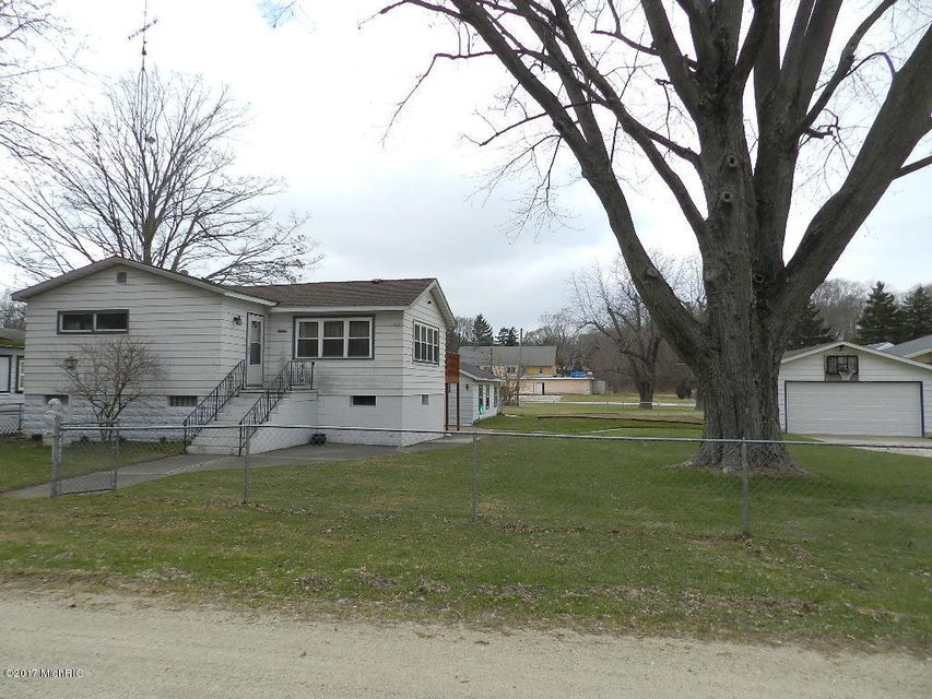 Single Family Home for Sale at 6248 John Street Coloma, Michigan 49038 United States