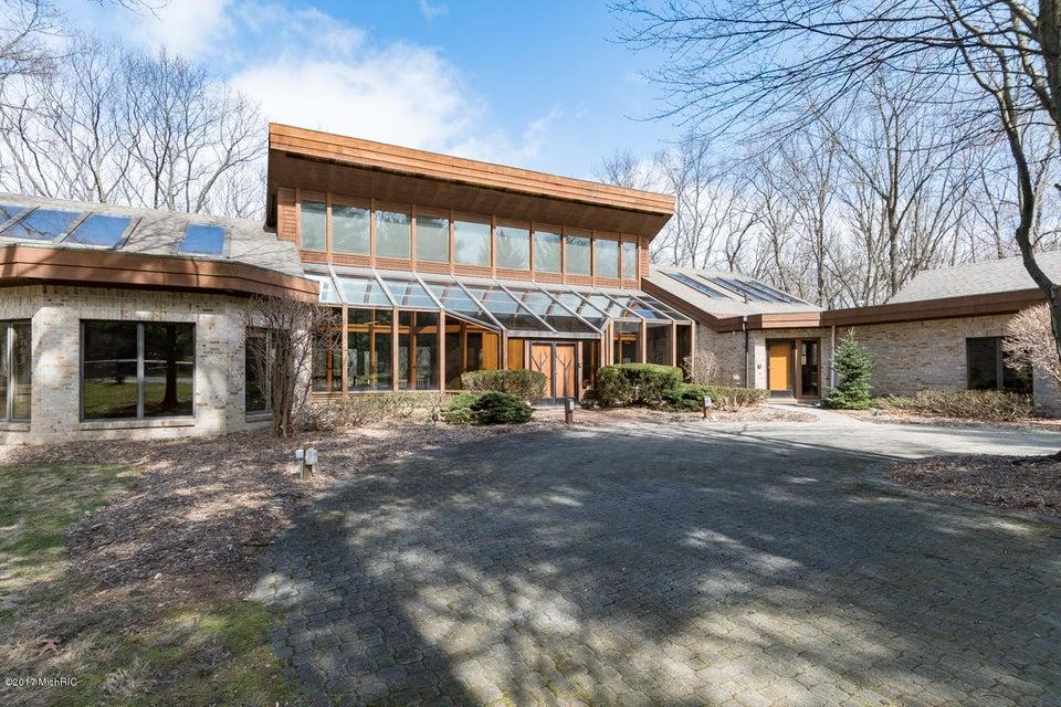 Single Family Home for Sale at 1230 Edgemoor Kalamazoo, Michigan 49008 United States