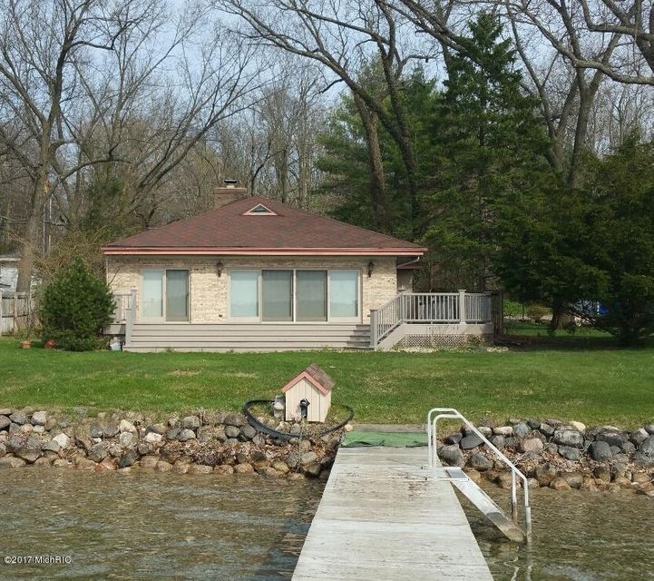 Single Family Home for Sale at 742 Gull Lake Augusta, Michigan 49012 United States