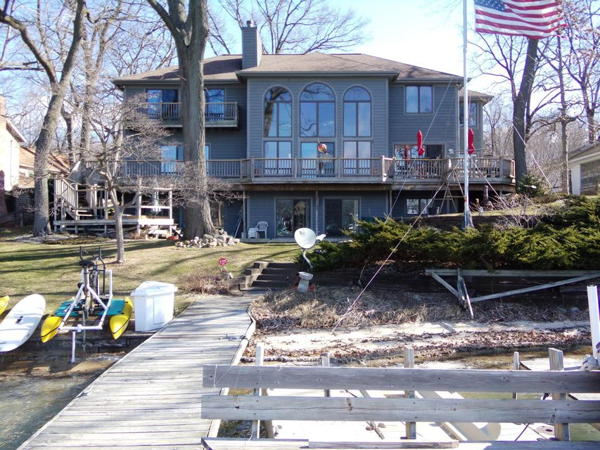 Single Family Home for Sale at 462 Gull Lake Augusta, Michigan 49012 United States