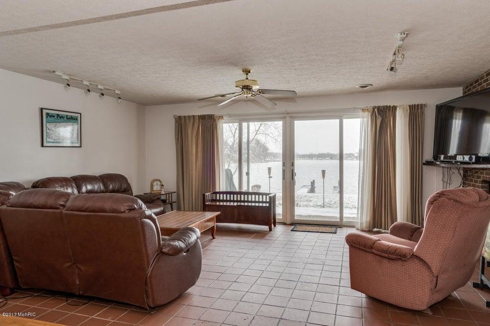 5451 Lakewood Drive