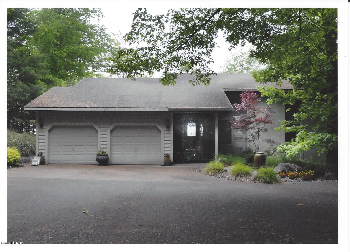 Single Family Home for Sale at 5525 Otter Ridge Ludington, Michigan 49431 United States
