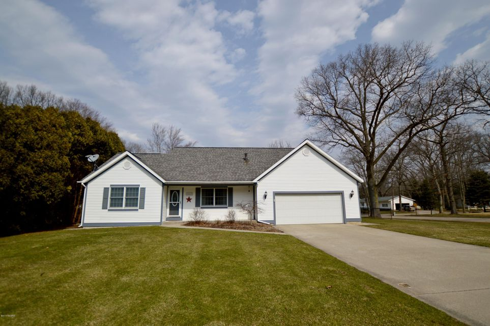 Single Family Home for Sale at 15217 Edgewood Spring Lake, Michigan 49456 United States