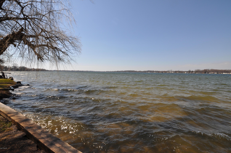 11332 E Indian Lake , Vicksburg, MI 49097 Photo 6