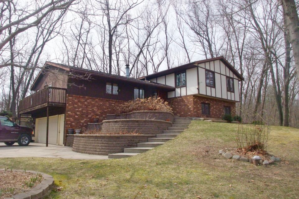 Single Family Home for Sale at 18121 136th Nunica, Michigan 49448 United States