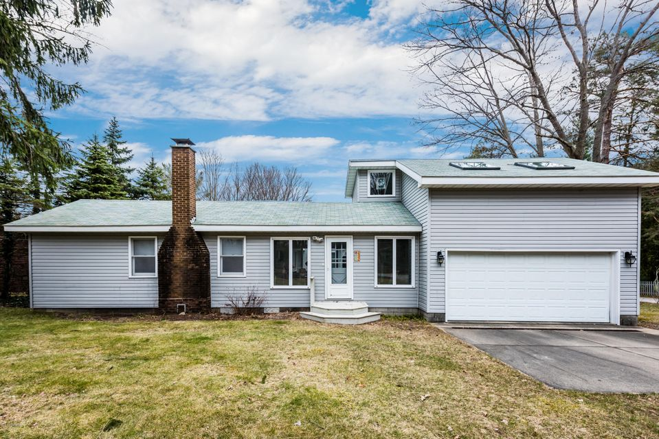 Single Family Home for Sale at 14446 Lakeshore Lakeside, Michigan 49116 United States