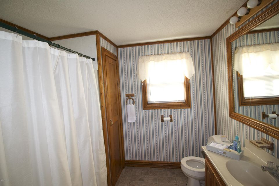 19534 Lakeshore , Three Rivers, MI 49093 Photo 11