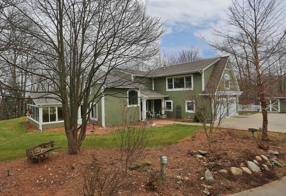 Single Family Home for Sale at 18435 Iroquois Spring Lake, Michigan 49456 United States