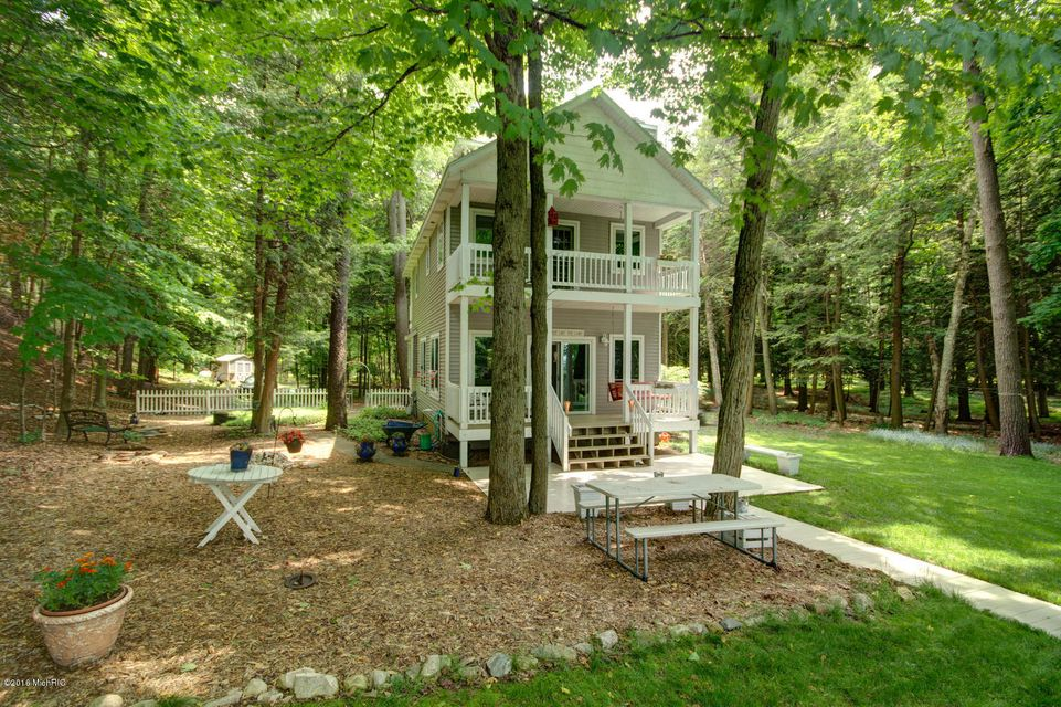 Single Family Home for Sale at 10767 Old Freesoil Manistee, Michigan 49660 United States