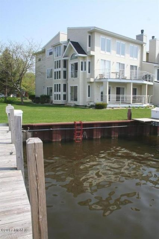 Single Family Home for Sale at 991 Lake Saugatuck, Michigan 49453 United States