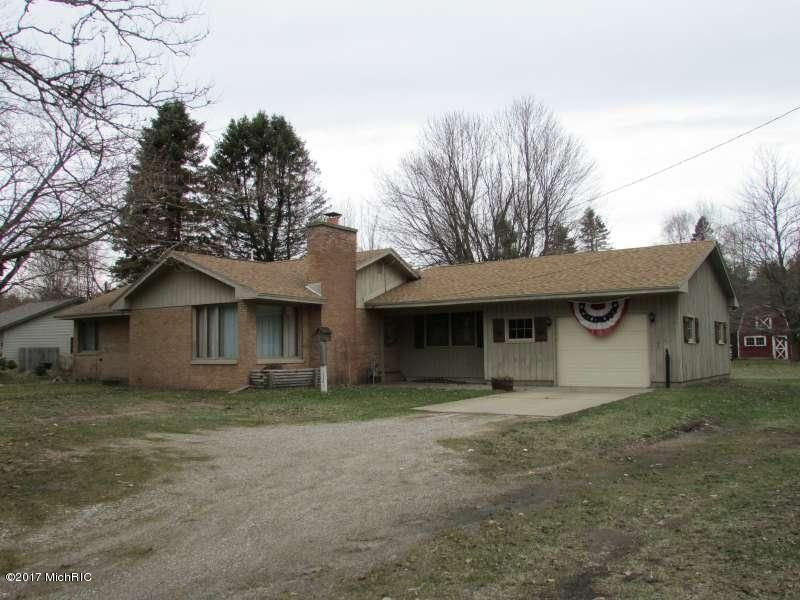 Single Family Home for Sale at 370 Pontaluna Muskegon, Michigan 49444 United States