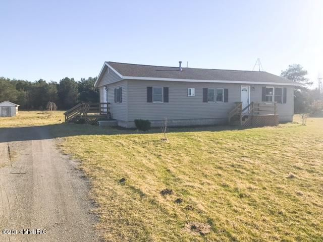 Single Family Home for Sale at 10475 Laketon Ravenna, Michigan 49451 United States