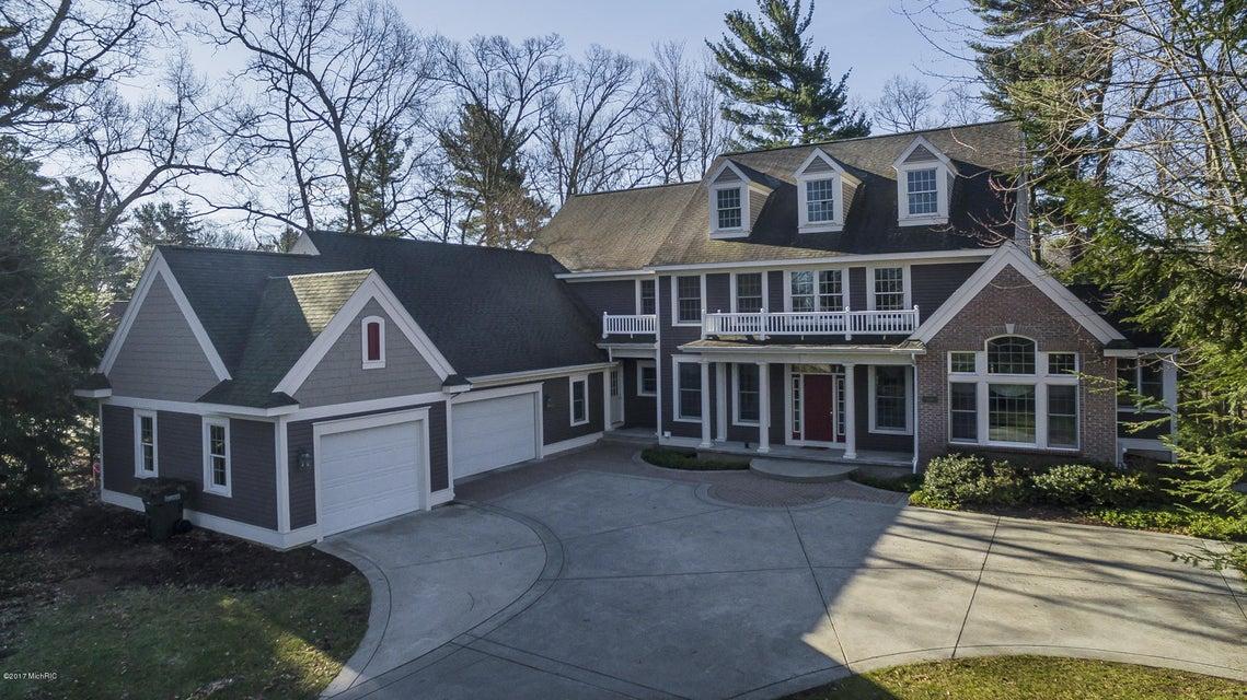 Single Family Home for Sale at 15490 Oak Ridge Spring Lake, Michigan 49456 United States