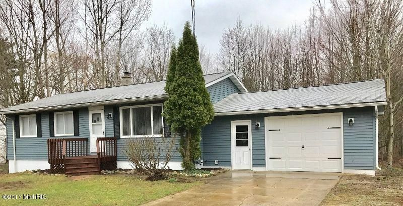 Single Family Home for Sale at 1811 Pontaluna Spring Lake, Michigan 49456 United States