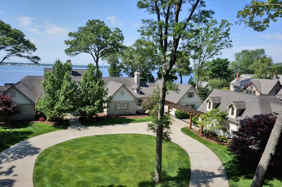 Single Family Home for Sale at 329 Circle 329 Circle North Muskegon, Michigan 49445 United States