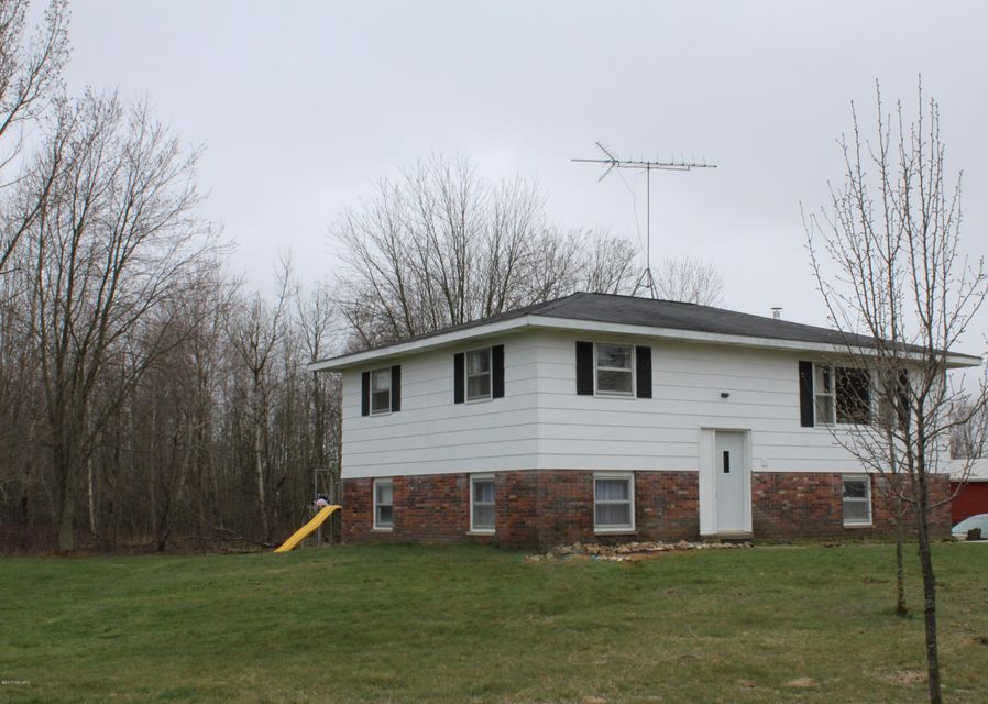 Single Family Home for Sale at 8515 Sternberg Nunica, Michigan 49448 United States