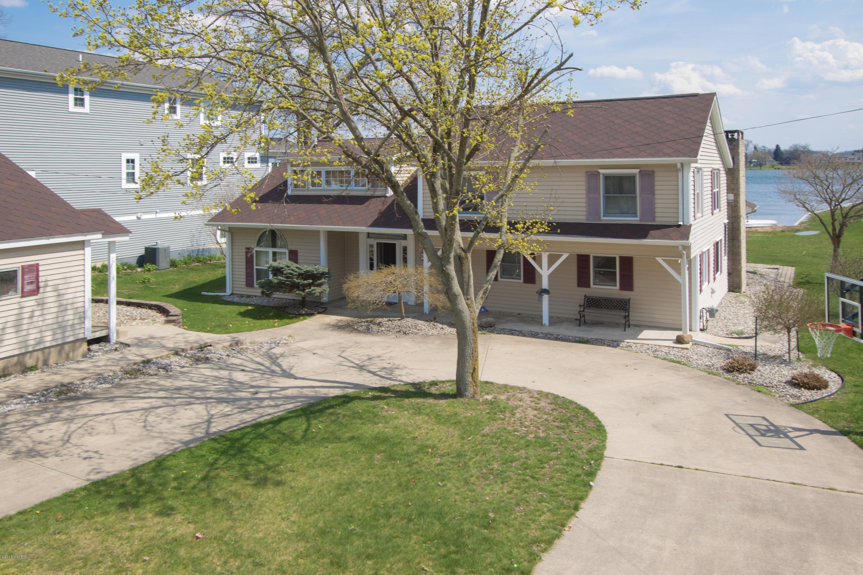 Single Family Home for Sale at 8109 Long Lake Kalamazoo, Michigan 49048 United States