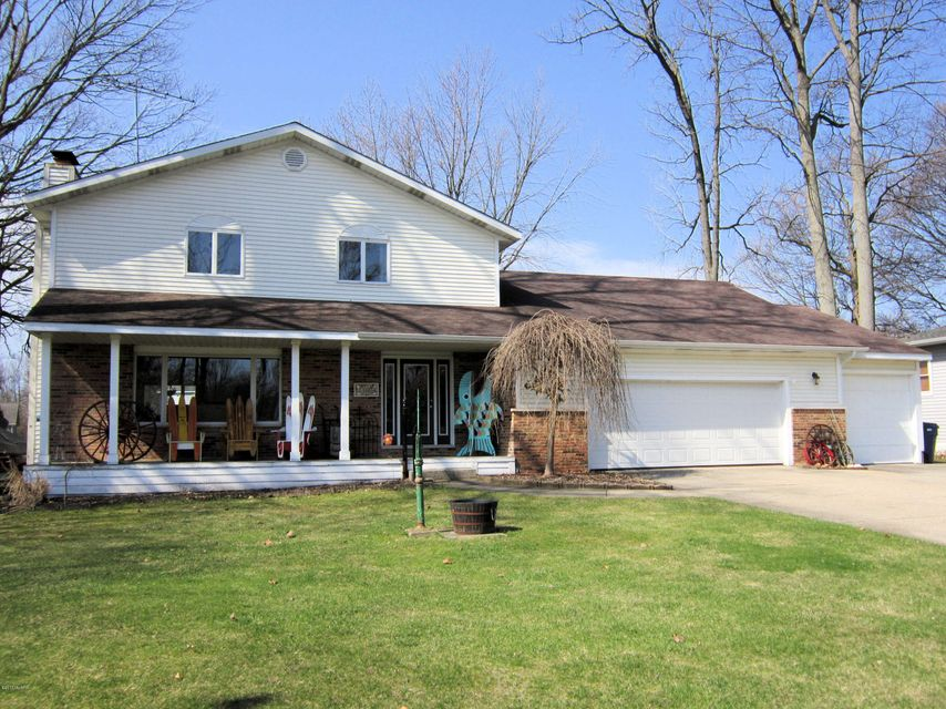 Single Family Home for Sale at 18022 Trudy Spring Lake, Michigan 49456 United States
