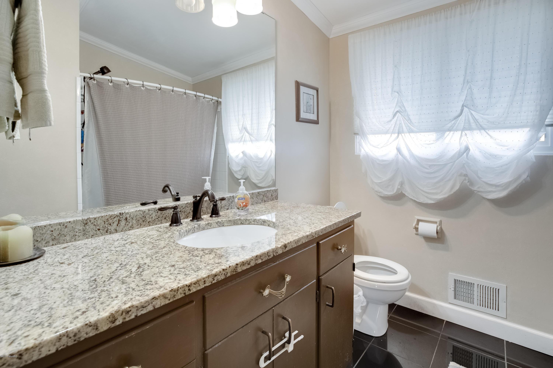 2787 manitou drive ne grand rapids mi 49525 sold for Bathroom cabinets grand rapids mi